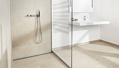 ShowerLine Column